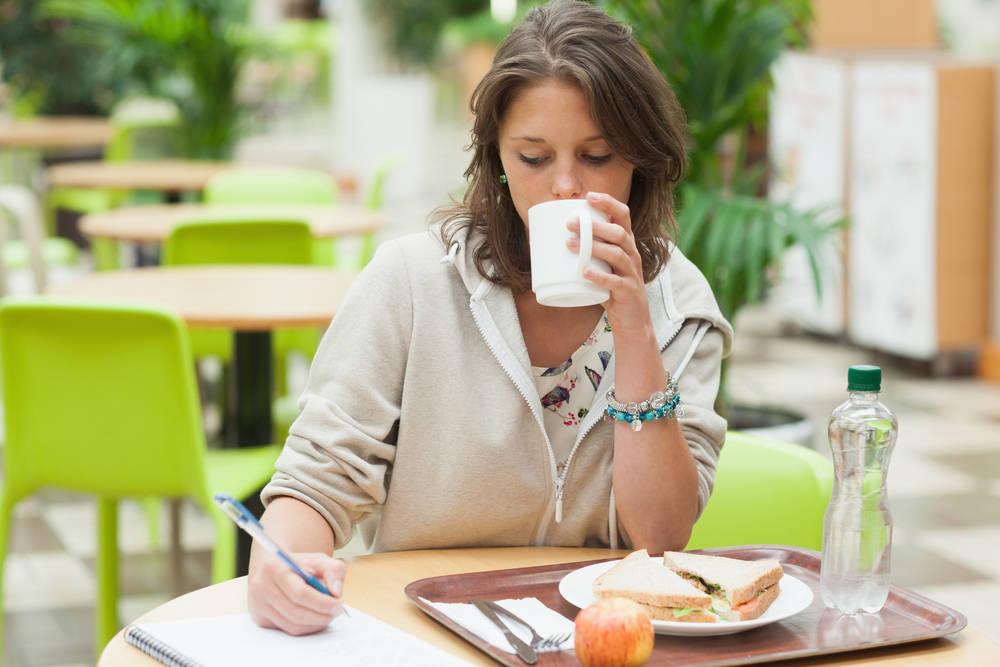 Cafeterías universitarias, ¿las nuevas bibliotecas?